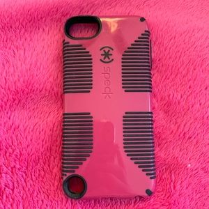 Accessories - Hot pink spec iPod case!